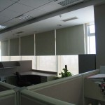 Cortinas roller black out en oficinas